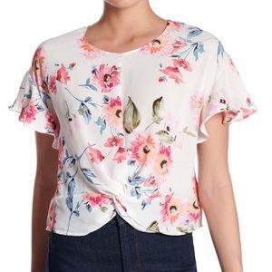 ☀️ Lush Floral Top